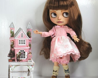 Blythe Dollhouse with Dress and Table In Pink