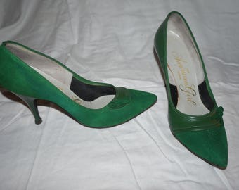 Women's The American Girl Shoe [Vintage 1960s]