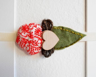 Baby elastic headbands with fabric flower, felt leaves and wooden heart