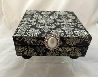 Black & Cream Damask Decorative Box