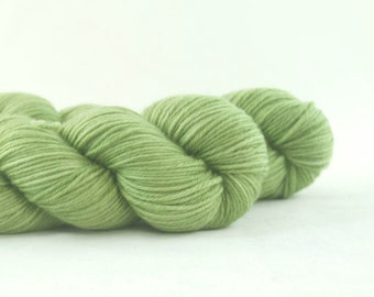 Hand Dyed Superwash Merino DK Yarn Medium Green