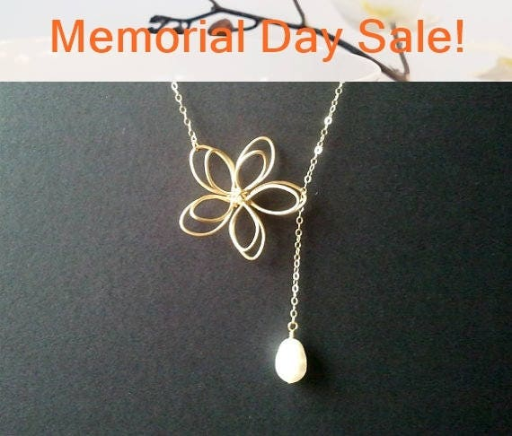 Flower with White Pearl Lariat Necklace, Flower pendant, Pearl Wedding Necklace, Bridal Jewelry, Bridesmaid Gift, Statement, Christmas Gift