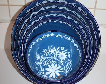 Vintage Rare 5 Piece Metal Enamel Blue and White Flowered Graniteware Nesting Bowl Set