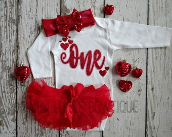 Valentine's day First Birthday- 1st Birthday Outfit- red Birthday Outfit-cake smash- One birthday girl outfit- first birthday girl outfit