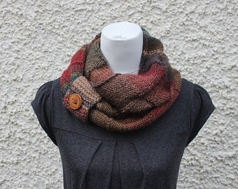 KNITTING PATTERN - Amelia infinity loop scarf, womens scarf pattern with button cuff - Listing152