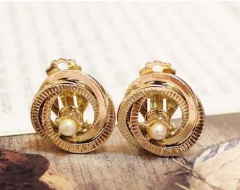 Xmas SALE Vintage Pearl Earrings , Vintage Gold Clip On Earrings