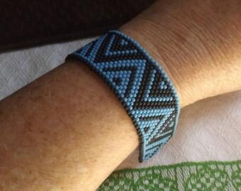 Blue n' Black Triangles Hand Beaded Native American Style Bracelet