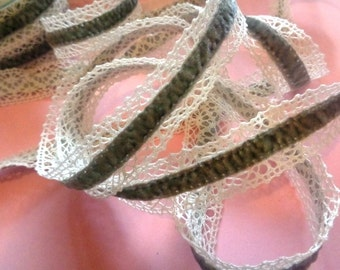 """Crochet Lace with Velvet Ribbon,  Gray / Ivory, 1"""" inch wide, 1 yard, For Dolls, Scrapbook, Mixed Media, Home Decor, Apparel"""