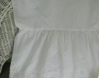 Vintage White Eyelet Bed Skirt or Bed Petticoat, Queen Bed Size, Scalloped Edges, Cottage Chic, Shabby Cottage, Farmhouse Chic