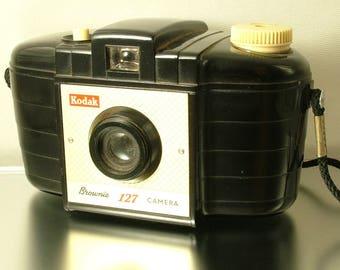 Antique/ estate, 1950s / 60s, Kodak Brownie 127 camera - photography / photos