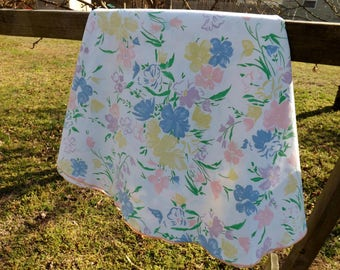 Pretty floral pastels dinner oval tablecloth