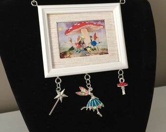 Pretty as a Picture Necklace