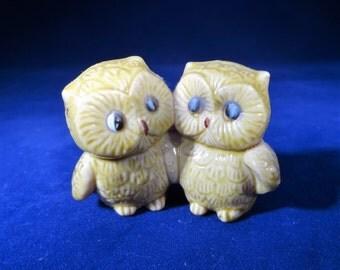 Porcelain Owls Figurine, 2 Friend Owls, Vintage Porcelain Owl Figurine, Miniature Owl Figurine