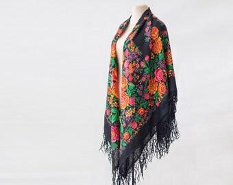 SALE Russian shawl with roses and berries, piano shawl, botanical shawl, large shawl, wool floral shawl, fringed shawl, gypsy shawl garden