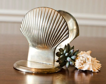 Brass Shell Bookends (Set of 2) - Nautical Beach Seashells - Vintage Ocean House Home Decor