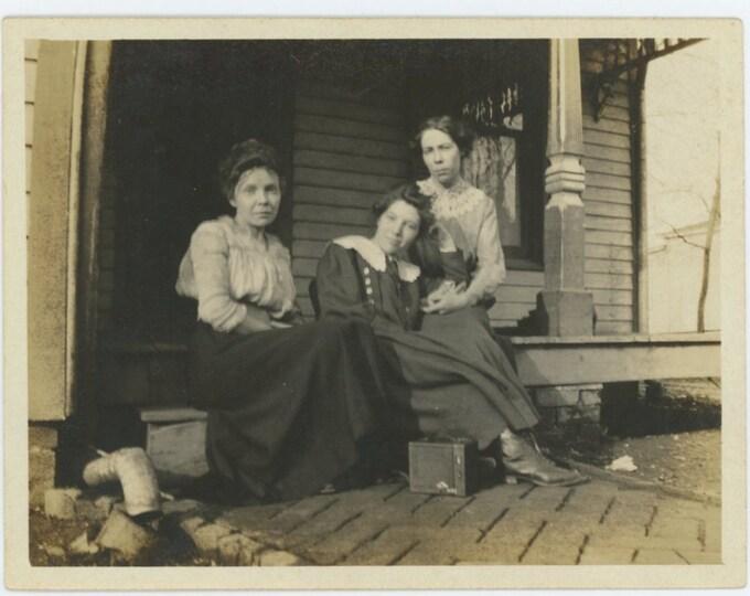Vintage Snapshot Photo: Three Women on Porch with No. 3 Brownie Box Camera (611519)