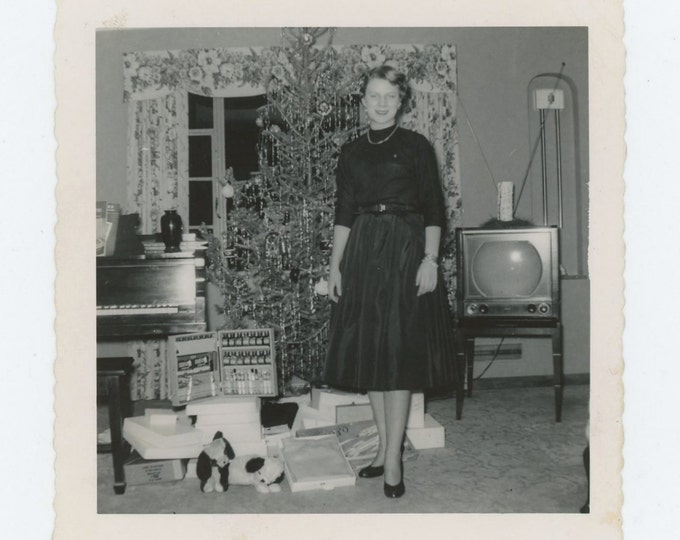 "Vintage Snapshot Photo: ""Xmas, 1954"" (71543)"