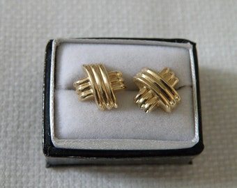 14K Gold Criss Cross Earings