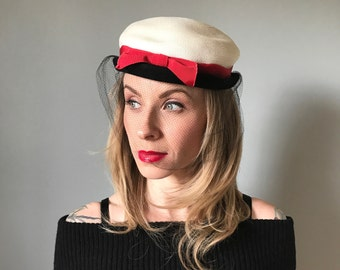 Vintage 50s White + Red Bow Topper Hat w/ Netting