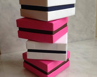 Striped texture Hot Pink/Brown or White/Navy Blue Jewelry or Chocolate boxes (120 boxes)