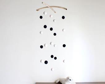 Felt Balls Mobile with Driftwood -- Black White Felt Poms Nursery Mobile -- Monochromatic Newborn Gift -- Neutral Gender -- Ready to Ship