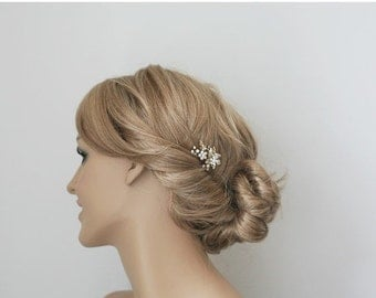 SALE - Gold flower and pearls wedding hair pin, crystal and pearls gold flower bridal hair accessory, wedding hair accessory