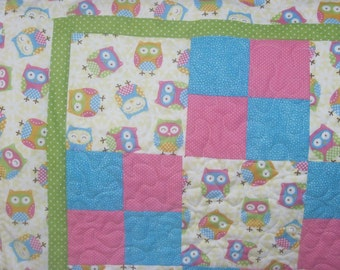 Owls Everywhere! Baby and/or Toddler Quilt