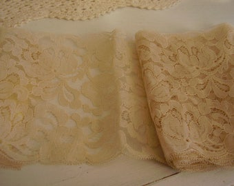 SALE! Vintage CHANTILLY Lace/1 yd.