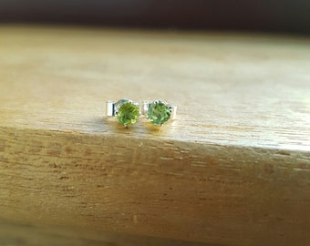 Peridot earrings Birthstone earrings Gemstone earring Silver earrings Silver stud Peridot Peridot jewelry Green earrings Silver stud