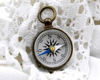 Miniature Working Pocket Compass, Tiny Small Compass with Hanging Loop, Map Reading, Orienteering, Scouts, Camping, Retro, Home