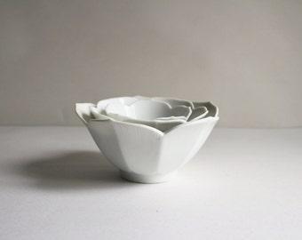 Vintage Lotus Bowls Made In Japan OMC Scalloped Nesting Bowl Set Off White