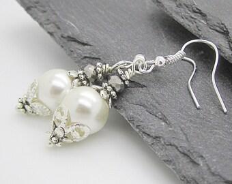 Ivory Wedding Pearl Drop Earrings, Brides Earrings, Ivory Bridesmaid Jewellery, Pearl Bridal Earrings, Matching Pearl Set, Bridal Party Gift