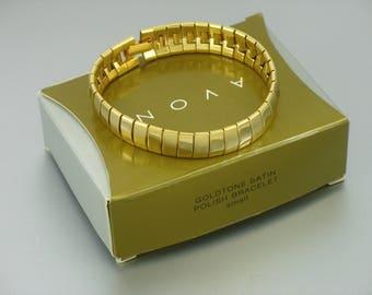 Vintage AVON 'Goldtone Satin Polish' Bracelet w/ original box. Size 7-3/8 inches long. Vintage Avon Link Bracelet. Vintage Avon Jewelry