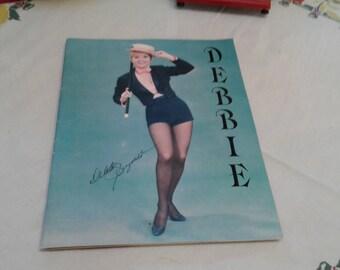 Debbie Reynolds Memorabilia w/autograph 70s - Many photos and Desert Inn Announcements of Debbie Show