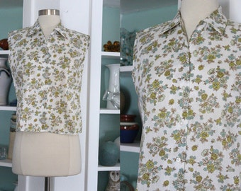 1950s Floral Shirt / Vintage 50s 60s Green Blue White Floral Combed Cotton Sleeveless Blouse / Rockabilly Top / Novelty Print Blouse - S