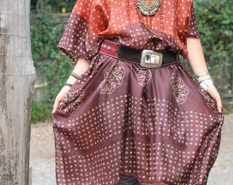 Silk Kaftan - one of a kind, perfect beach cover, rust and chocolate with batik print. Size 10-20