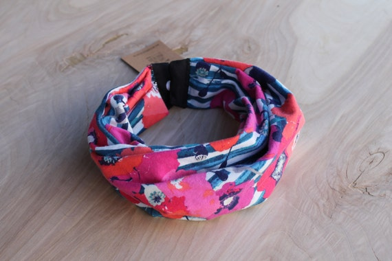 Baby Infinity Scarf Bib in floral stripes, Hipster Style Baby Bib, Jersey Knit Fabric and Plastic Snaps, Babies and Toddlers