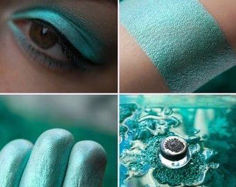 Eyeshadow: Quiet Voice of Surf - Mermaid. Soft mint eyeshadow by SIGIL inspired.