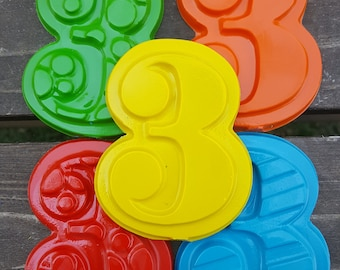Number 3 Three Crayons Set of 20 - 3rd Birthday Party Favors - 3rd Birthday - Party Favors - Numbers - Crayons