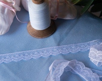 "French Valenciennes Lace- (LFV58EDG852) 5/8"" edging"