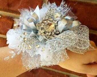 Sparkle & Shine Broach Wrist Corsage White/Silver