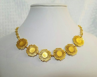 Golden Daisy Chain Necklace