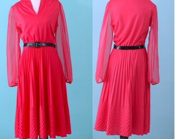 International Ladies' Garment Workers' Union (ILGWU) Dress Dark Pink MED/LARGE