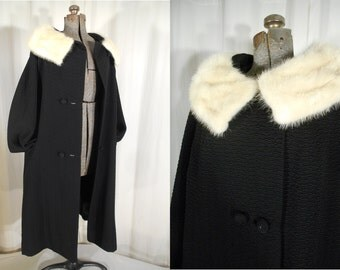 Vintage 1950s Coat / 50s Plus Size Swing Coat XL with Large Mink Fur Collar