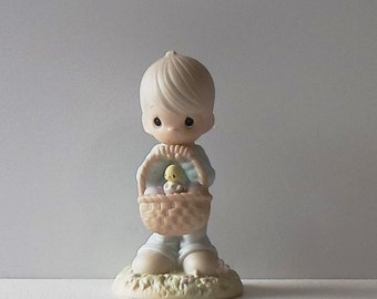 Vintage Precious Moments Wishing You a Basketful of Blessings Figurine