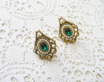 Vintage Green RHINESTONE and Pearl Stud Earrings - gold tone antiqued metal - white faux pearls - IRISH wedding - Pierced post - converted