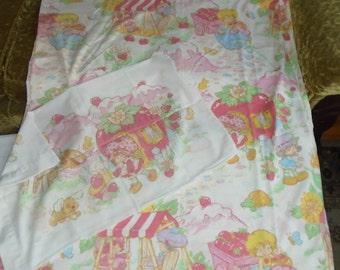 1980 Strawberry Shortcake Twin Bed Flat Sheet & Pillow Case