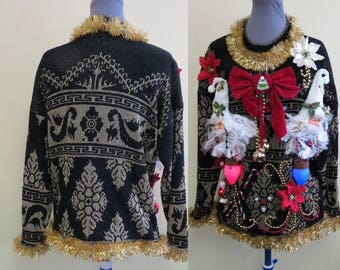 Santa Heads Gone Wild On Vintage Tacky Ugly Christmas Sweater Garland Jingle Bells  light up dangling ornaments. Womens size  M-L, Gold