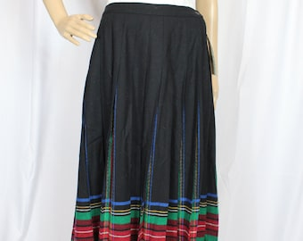 Black and plaid pleated pendleton skirt
