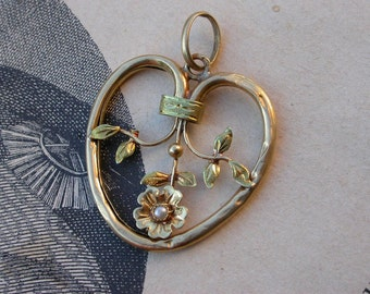 French 19th century  antique 18k solid gold white seed pearl flower heart pendant art nouveau gold jewelry